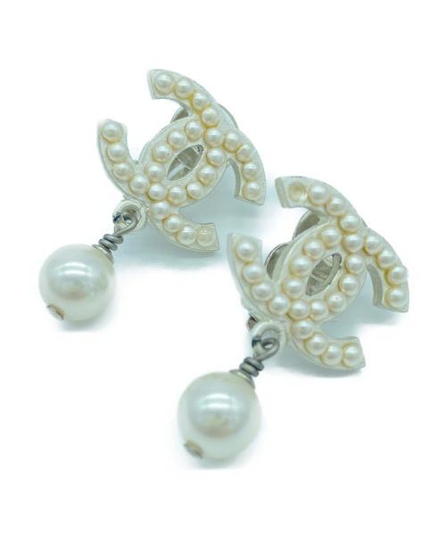 CHANEL(シャネル)CHANEL (シャネル) ココマークイヤリング ホワイトの古着・服飾アイテム