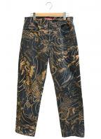 SUPREME()の古着「Waves Regular Jean / 鯉柄デニムパンツ」|ゴールド