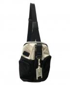TUMI()の古着「Monterey Sling ショルダーバッグ」 ホワイト×ブラック