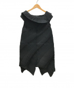 ISSEY MIYAKE(イッセイミヤケ)の古着「プリーツブラウスワンピース」|ブラック
