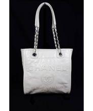 CHANEL(シャネル)の古着「チェーンレザートートバッグ」|オフホワイト