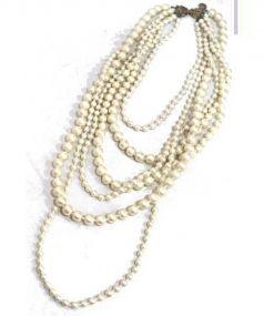 petite robe noire(プティローブノアー)の古着「コットンパール6連ネックレス」 ホワイト