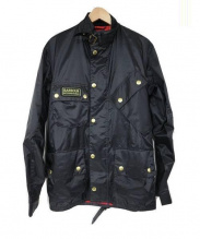 Barbour(バブアー)の古着「ナイロンインターナショナルジャケット」|ブラック