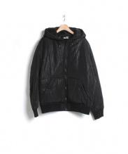 LOVE MOSCHINO(ラブ・モスキーノ)の古着「LM柄中綿フーデッドジャケット」|ブラック