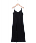 AP STUDIO(エーピー ストゥディオ)の古着「サテンキャミドレス」|ブラック