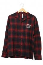 glamb(グラム)の古着「バックプリントシャツ」|レッド
