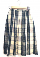 ONEIL OF DUBLIN(オニール オブ ダブリン)の古着「タックフレアスカート」