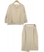 TONAL(トーナル)の古着「スリットネックブラウス×タイトスカート」|ベージュ