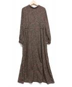 URBAN RESEARCH(アーバンリサーチ)の古着「サンカクキカ柄プリントギャザーワンピース」 ブラック
