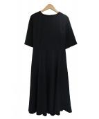 ROPE(ロペ)の古着「ボディシェルツイルフィット&フレア-ワンピース」|ブラック