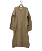 unfil(アンフィル)の古着「CAMELニットワンピース」|ベージュ
