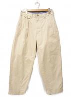 BEAMS PLUS(ビームスプラス)の古着「2プリーツ チノパンツ」|アイボリー