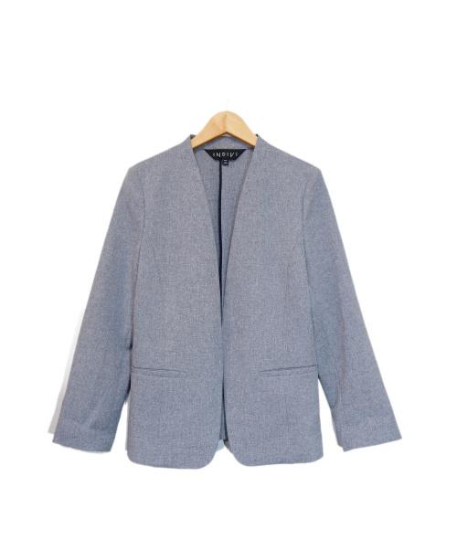INDIVI(インディビ)INDIVI (インディヴィ) ノーカラージャケット ライトグレー サイズ:38の古着・服飾アイテム