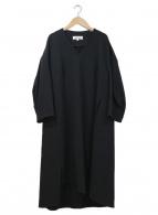 ENFOLD(エンフォルド)の古着「スポンジダブルクロススリットVネックドレス」|ブラック