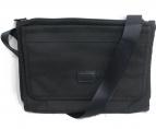 TUMI(トゥミ)の古着「アルファ フラット・ジップ・クロス・ボディバッグ」|ブラック