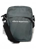 uniform experiment(ユニフォームエクスペリメント)の古着「ショルダーバッグ」 ライトグレー