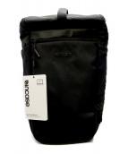 Incase(インケース)の古着「バックパック」|ブラック