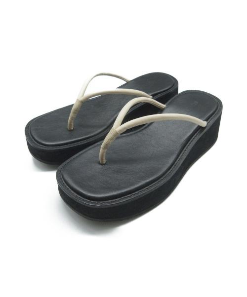 AMOMENTO(アモーメント)AMOMENTO (アモーメント) トングサンダル サイズ:24.5の古着・服飾アイテム