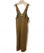 TOGA PULLA(トーガプルラ)の古着「メタルバックルサロペットワンピース」 キャメル