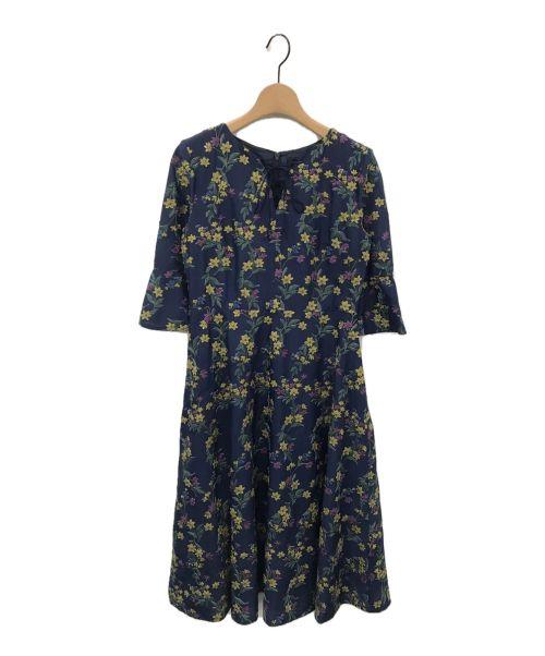 JILL STUART(ジルスチュアート)JILL STUART (ジルスチュアート) ニコール3Dフラワー刺繍ワンピース ネイビー サイズ:4 未使用品の古着・服飾アイテム