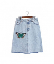 GUCCI(グッチ)の古着「バタフライエンブロイダリーデニムスカート」|ブルー