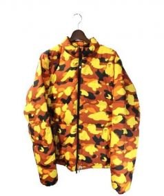 A BATHING APE(ア ベイシング エイプ)の古着「CAMO DOWN JACKET」|オレンジ