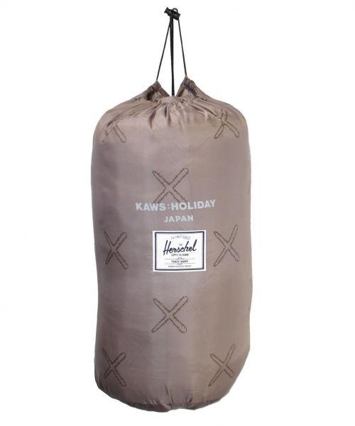 KAWS x Herschel Supply(カウズ x ハーシェルサプライ)KAWS x Herschel Supply (カウズ x ハーシェルサプライ) KAWS HOLIDAY JAPAN スリーピングバッグ寝袋 サイズ:-の古着・服飾アイテム