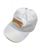 GOD SELECTION XXX(ゴットセレクショントリプルエックス)の古着「ファイヤーパターンロゴ刺繍キャップ」|ホワイト×オレンジ