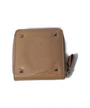 VALENTINO(ヴァレンティノ)の古着「スタッズ2つ折り財布」|ピンクベージュ