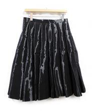 JUNYA WATANABE CDG(ジュンヤワタナベ コムデギャルソン)の古着「ボンディングプリーツスカート」|ブラック